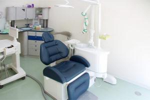 ゆったりとした診療台